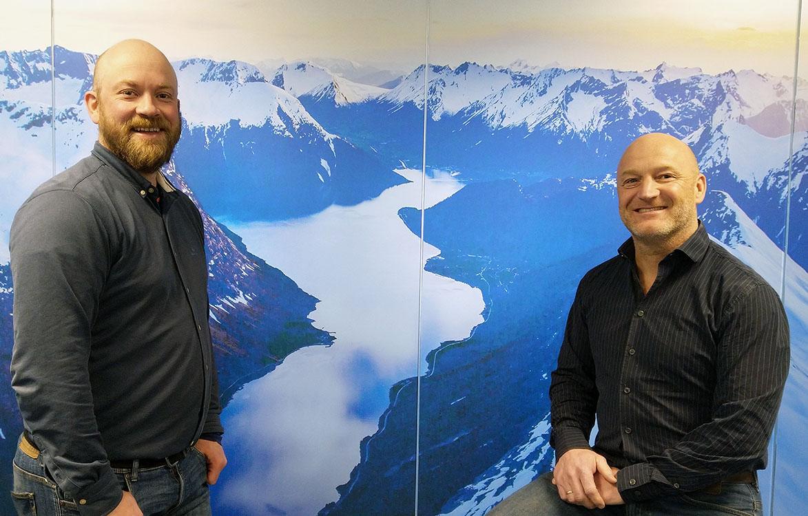OSE har signert avtale med Fremtind Forsikring AS_2021. Lars Olav Tvergrov og Henning Nybø. Foto Sunniva Lund Osdal